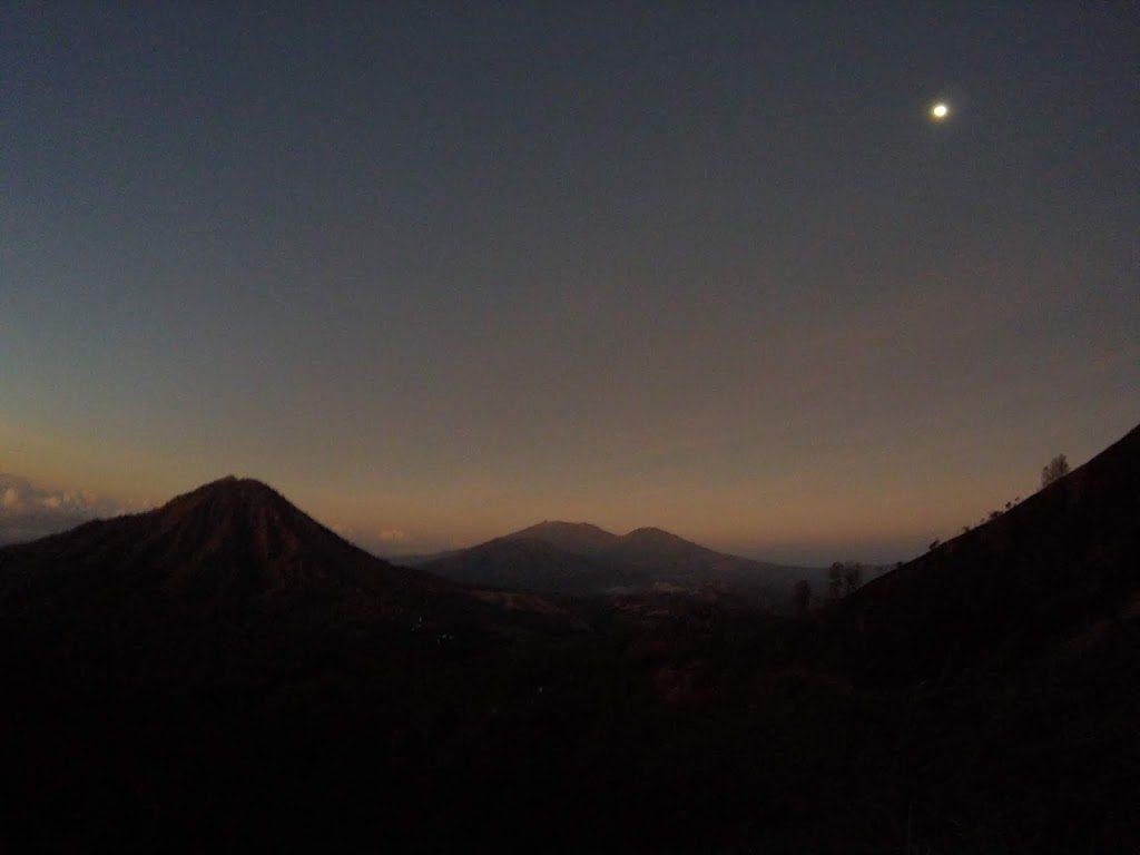 Gunung Ranti dari Gunung Ijen