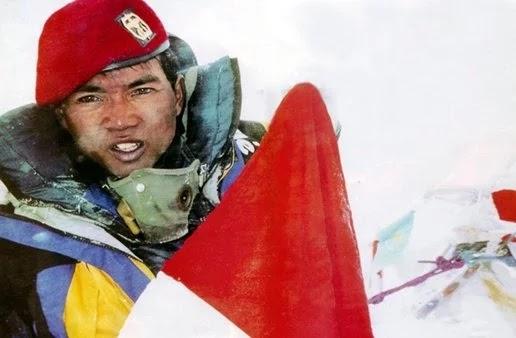 Kisah Mati-Matian Tim Ekspedisi Everest Kopassus Indonesia Sampai Puncak Everest Atas Perintah Mayjen (TNI) Prabowo