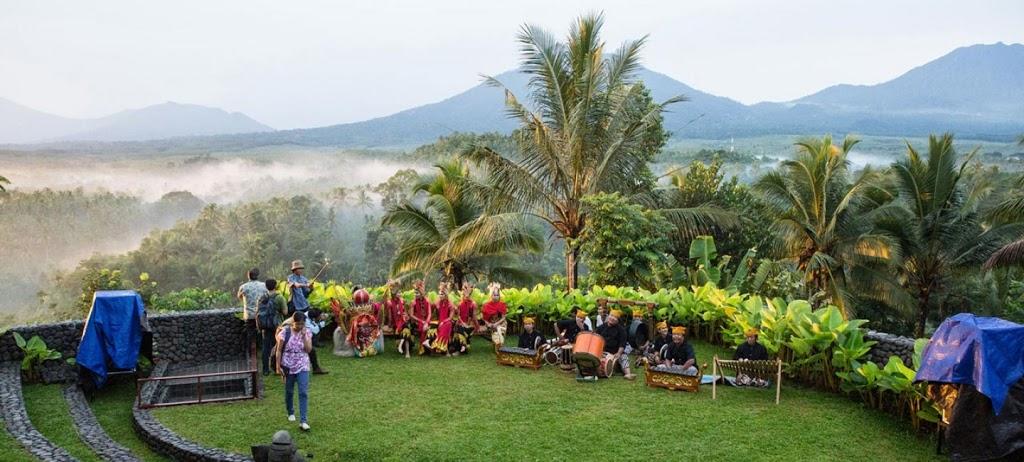 Baru! Wisata Banyuwangian Taman Gandrung Terakota